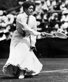 Woman plays tennis circa 1910