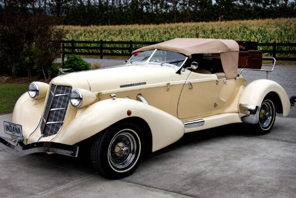 After more than two-years restoration work the Auburn-Colt-Duesenberg is fully road legal.