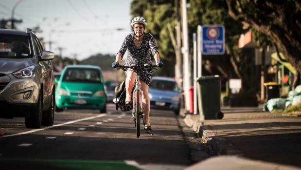 Wellington Mayor Celia Wade-Brown gives the cycleway a test ride.