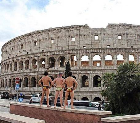 Despite being a bit of a scantily clad Lothario himself, we are not sure Caesar would approve.