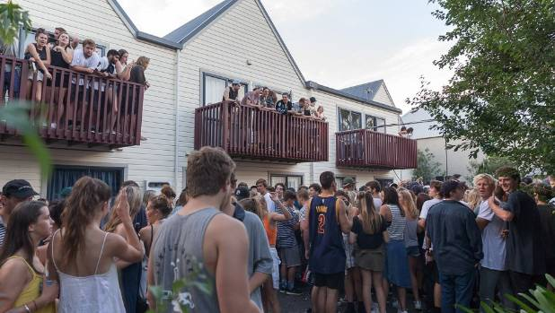 Up to 1500 people crammed into the surprise Six60 concert near Dunedin on Friday.