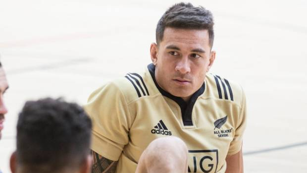 Sonny Bill Williams is returning to New Zealand after a leg injury ruled him out of the Canada Sevens.