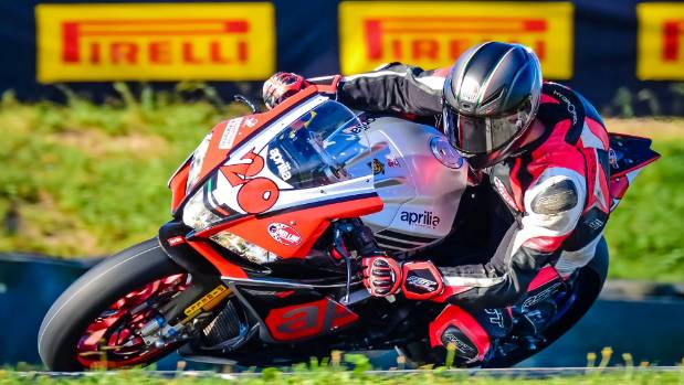 Dillon Telford on his Aprilia RSV4 RF in the final round of the 2016 Superstock 1000 which he came second in.