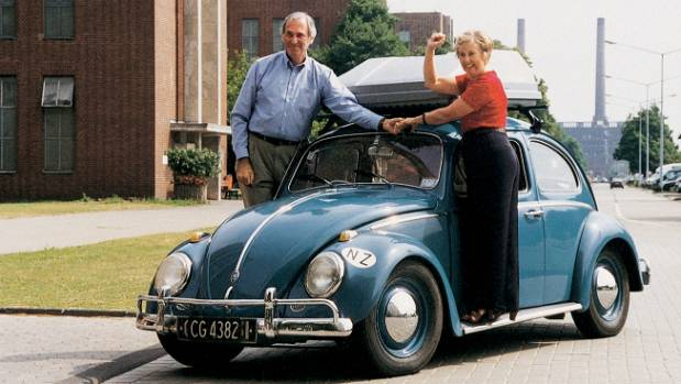 Kiwi couple embark on final road trip in their 56-year-old Volkswagen Beetle | Stuff.co.nz