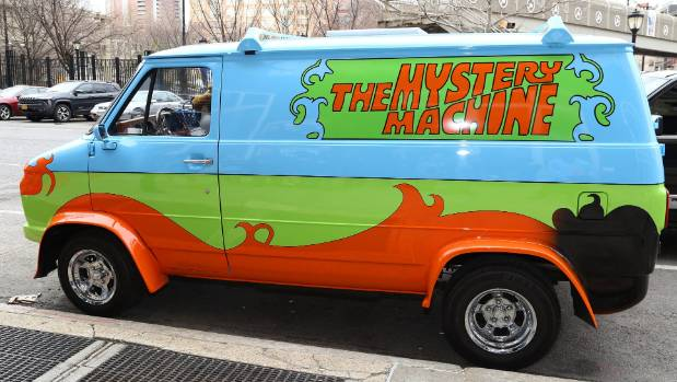 Ruh Roh Woman Escapes Police In Scooby Doo Like Van