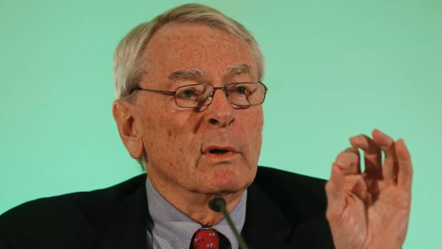 World Anti-Doping Agency former president Dick Pound has lambasted Sharapova for her stupidity.