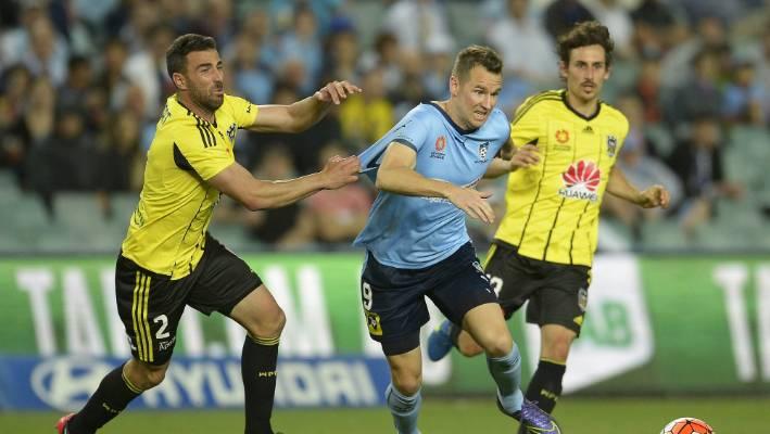 Shane Smeltz To Lead Attack For Sydney Fc Vs Wellington Phoenix As Simon Injured Stuff Co Nz