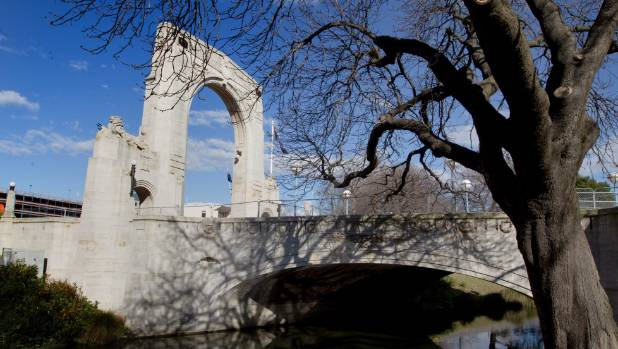 Is the Bridge of Remembrance the centre of Christchurch?.