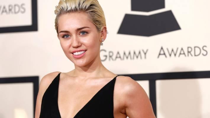Miley Cyrus ELLE Magazine October 2016 Photoshoot