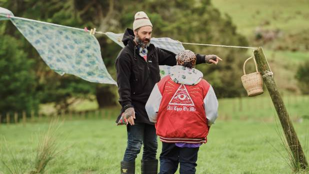 Taika Waititi and Julian Dennison on set in the Hunt for the Wilderpeople.
