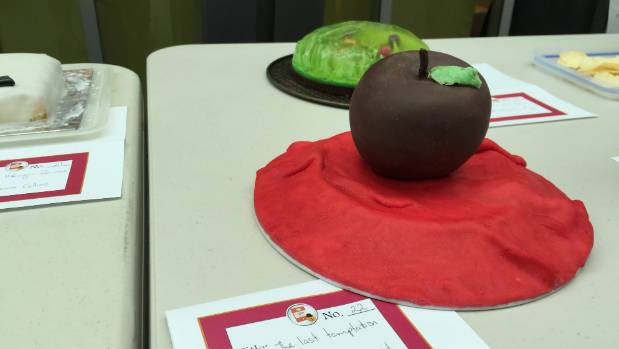 An impressive creation depicting Val McDermid's 2002 novel 'The Last Temptation' at Ara Institute's 2016 Edible Book ...