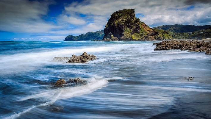 Piha Beach West Of Auckland For Those Who Like Their Beaches With Lots Character