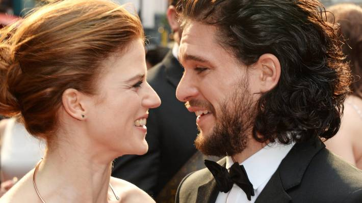 is jon snow dating daenerys in real life