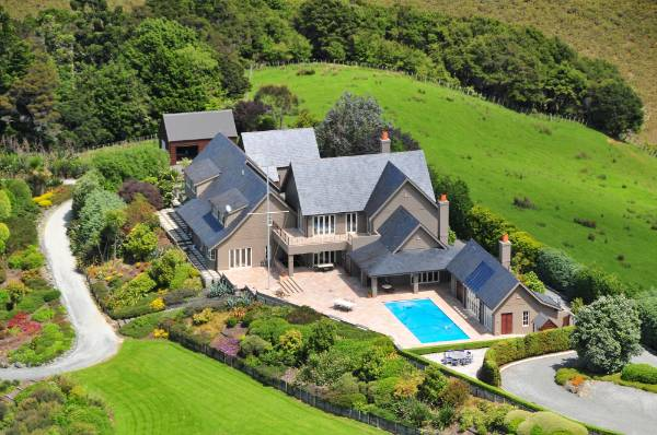 The Bachelor Mansion, Aka Solsbury Hill Luxury Accommodation, Is Now  Available For Holiday Rentals