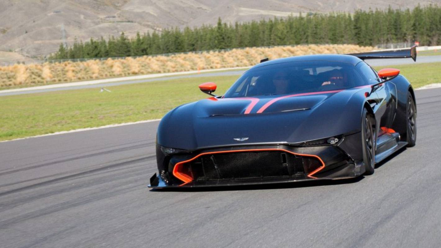 What It S Like To Hot Lap Highlands In The Aston Martin Vulcan Stuff Co Nz
