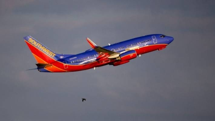 How airlines decide when to kick a passenger off a plane