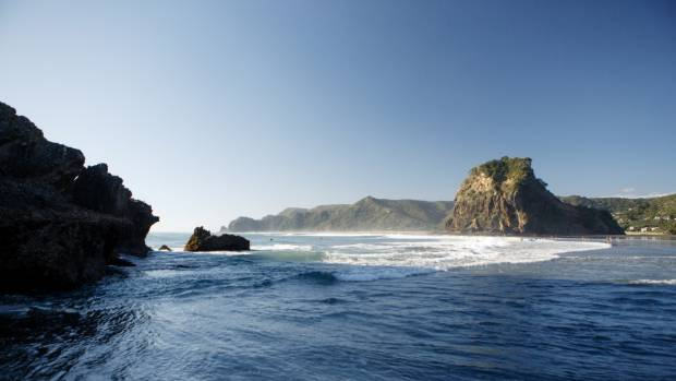 800 Words boasts some beautiful scenery as places like Piha become Weld.