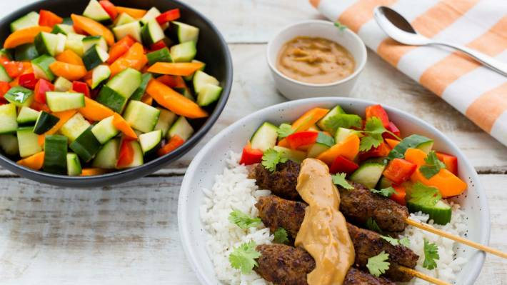 Recipe Nadia Lim S Satay Beef Skewers With Coconut Rice