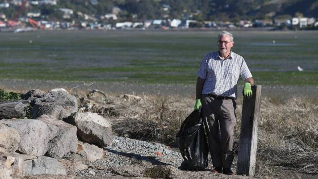 River campaigner Bill Simpson is hoping hundreds will join the Mother of All Clean-Ups of the estuary and the Avon and ...