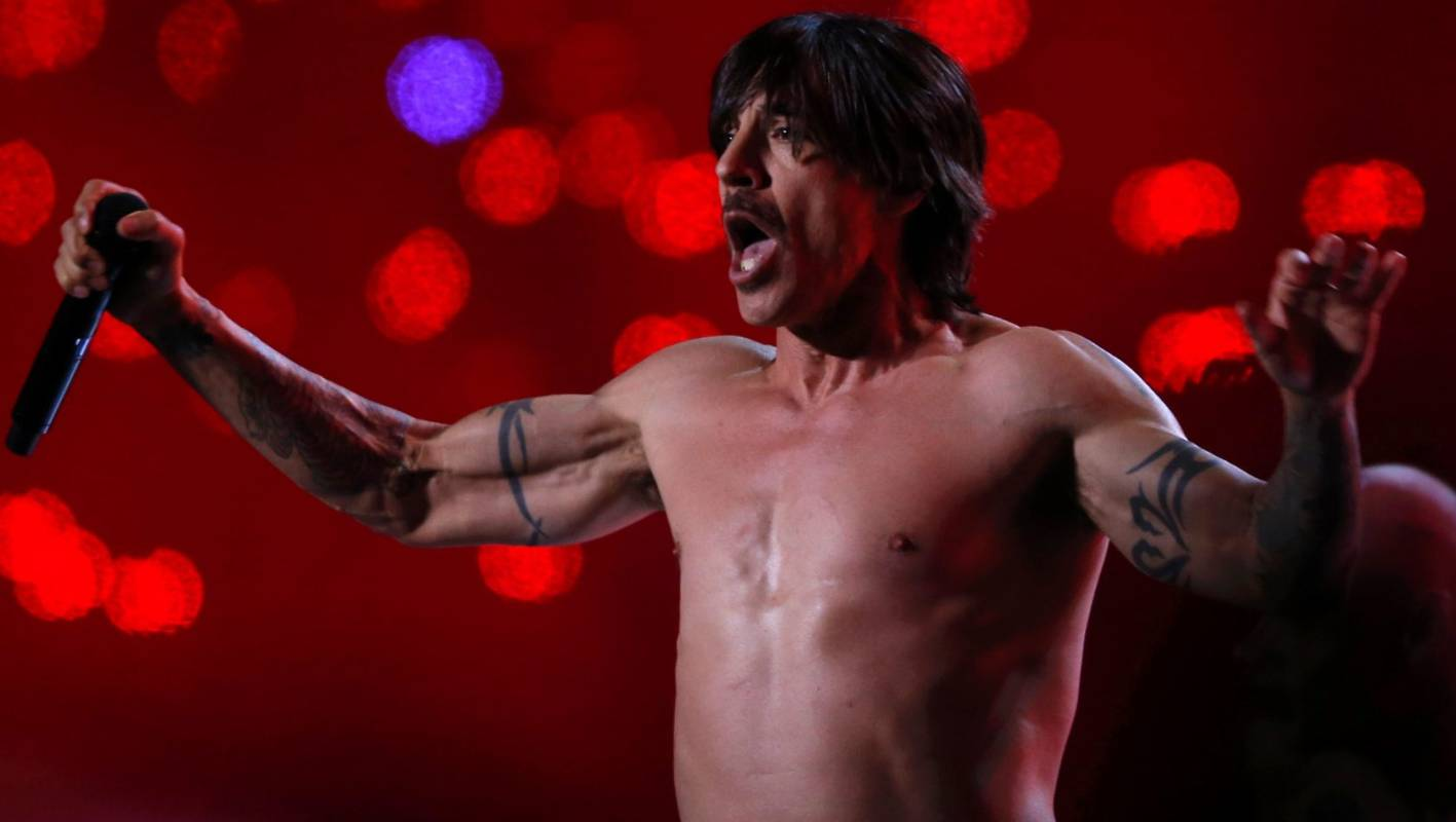 red hot chili peppers return with new single. Black Bedroom Furniture Sets. Home Design Ideas