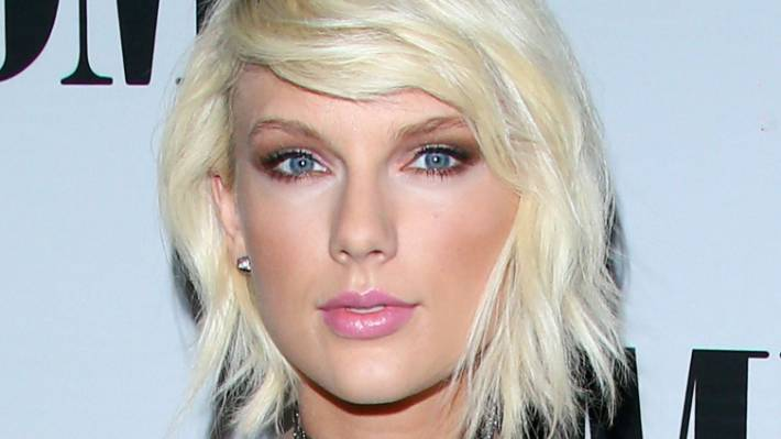 Naked pics of taylor swift pic 443