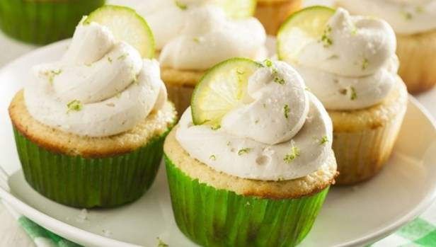 Recipe: Gin and tonic cupcakes