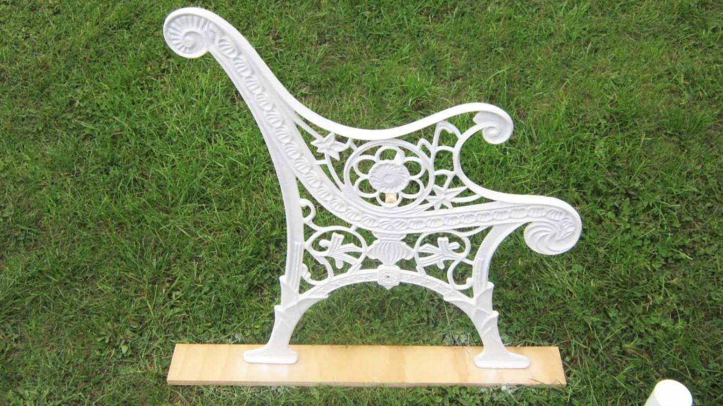 accaf3b29814 Weekend DIY  How to restore a cast iron garden bench