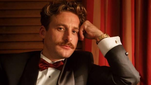 Dean O'Gorman guest stars in Westside as property developer Evan Lace.