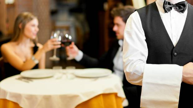 Modern etiquette: How do you insist on splitting the bill on a date