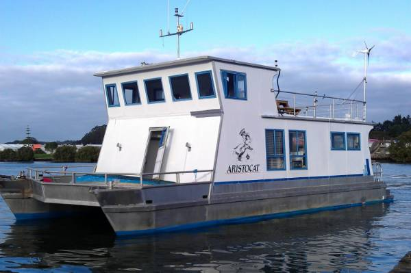 Renovated houseboat for sale is bigger and cheaper than many