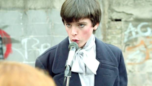Ferdia Walsh Peelo plays Conor with a lovely mix of vulnerability and insouciance in Sing Street.