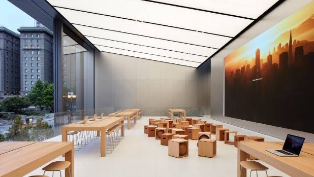 A space in the flagship Apple store for events and tutorials. The store's 13-metre tall doors open right onto the street.