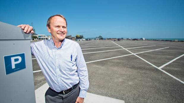 Port Taranaki chief executive, Guy Roper, says parking meters will stay at the lee breakwater.