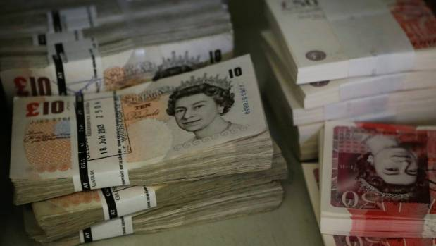 Kiwi travellers snap up British currency after pound plummets on Brexit | Stuff.co.nz