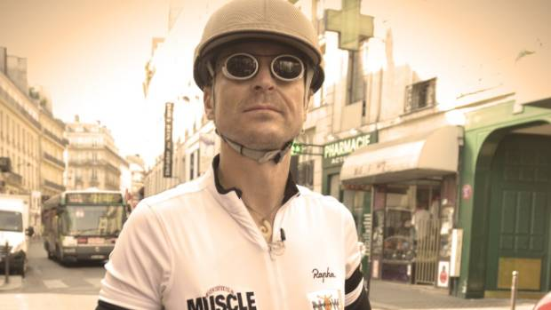 Phil Keoghan recreates the course of the 1928 Tour de France in Le Ride.
