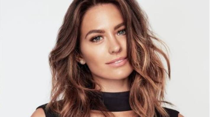 Jesinta Campbell Wants World Peace Between Miss Universe And Miss
