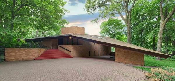 Mid Century Modern House By Architect Frank Lloyd Wright