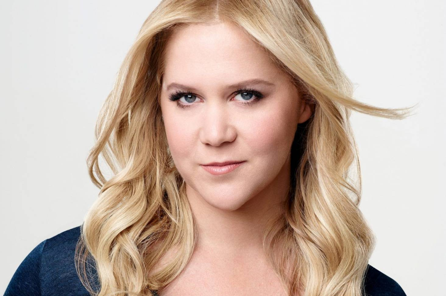 Amy Schumer Caught In Crossfire After Comedy Writers Rape Comments