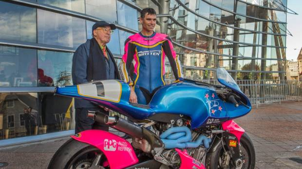 Artist Billy Apple and champion rider, Andrew Stroud, with the Britten V1000, at the Christchurch Art Gallery.
