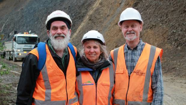 David and Kathleen Campbell with Kapiti Coast District Council roading network performance team leader Neil Williams.