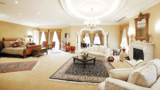 Million-Dollar Jewel Heist From Australian Mansion  Stuffconz-8605
