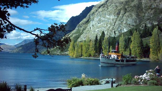 New Zealand Lakes & Glaciers For 9 Days