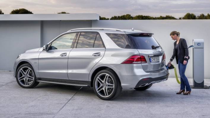 Gle 500e Combines Plug In With 4matic Drivetrain