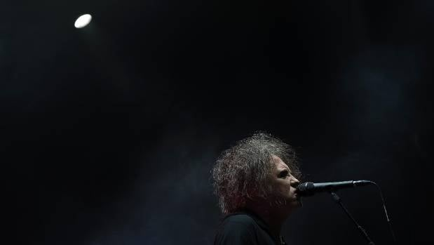 Robert Smith serenaded a capacity crowd at Auckland's Vector Arena.