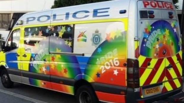 Car van gay