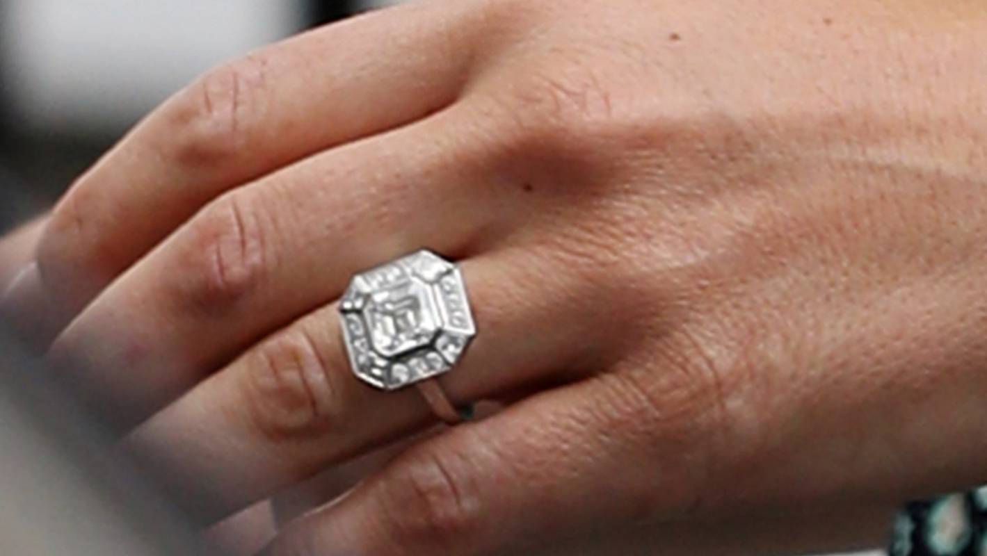 kate middleton versus pippa middleton an engagement ring analysis stuff co nz kate middleton versus pippa middleton
