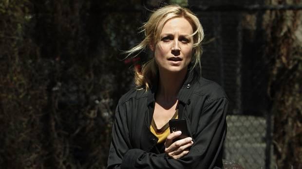 Marta Dusseldorp as Linda Hillier in the Jack Irish series.