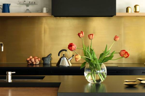 Winning ways to use gold in your home decor Stuffconz