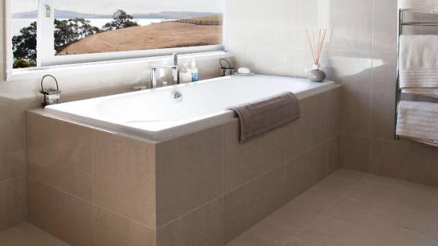 Sinking into the bath debate: Should it be freestanding or built in ...