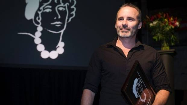 Author Paul Cleave winning the 2015 Ngaio Marsh award.